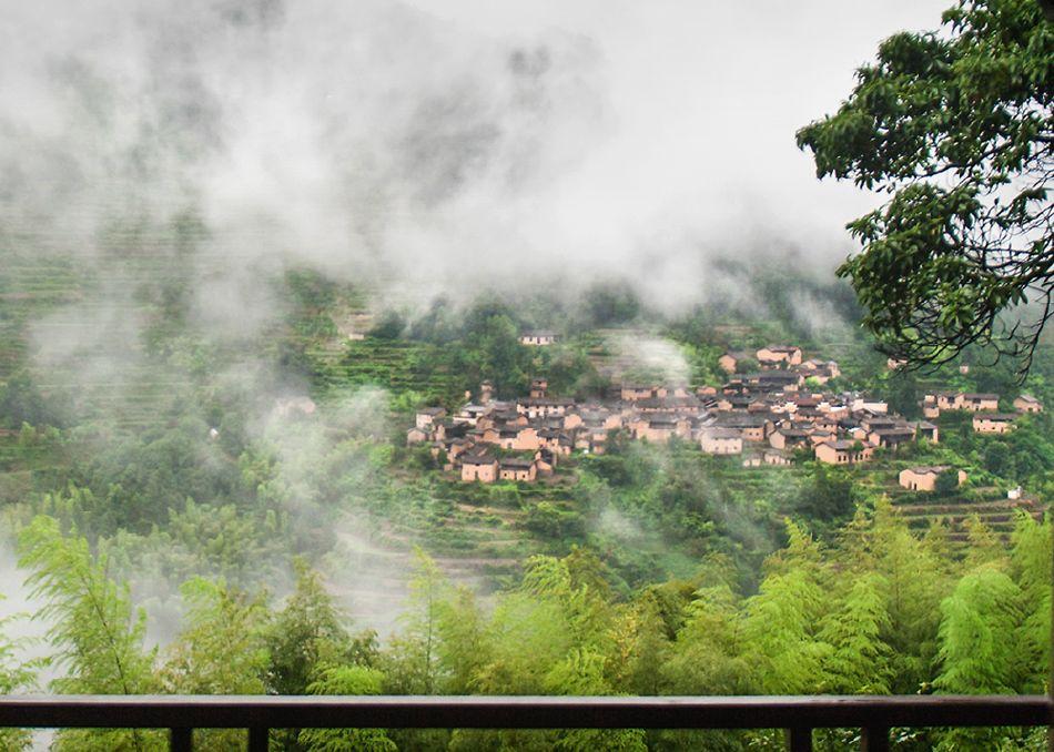 在松阳三都.四都乡的古村落及经典景点附近都建有摄影亭.